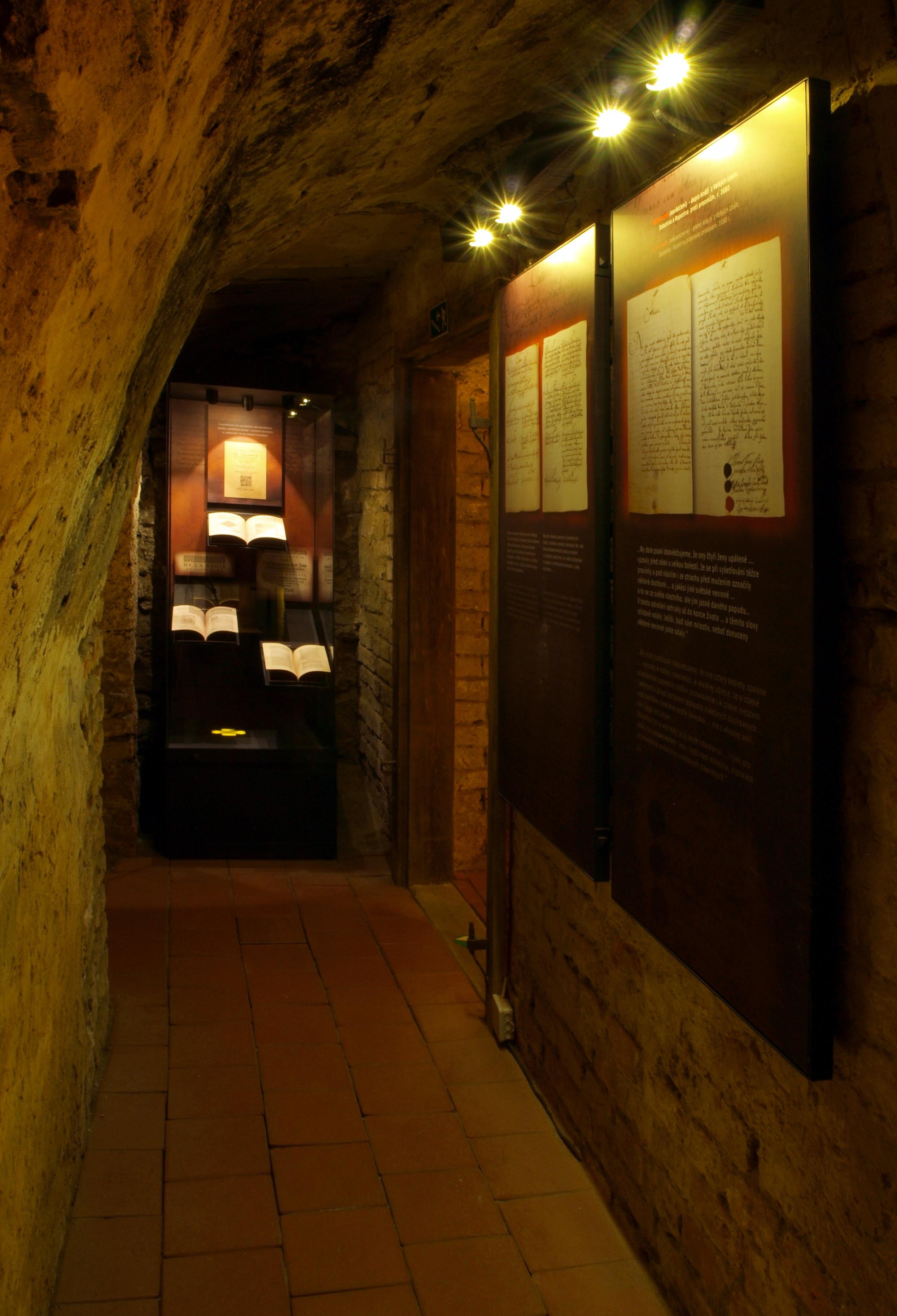 Šumperk - expozice čarodějnických procesů v Geschaderově domě zdroj foto: mus