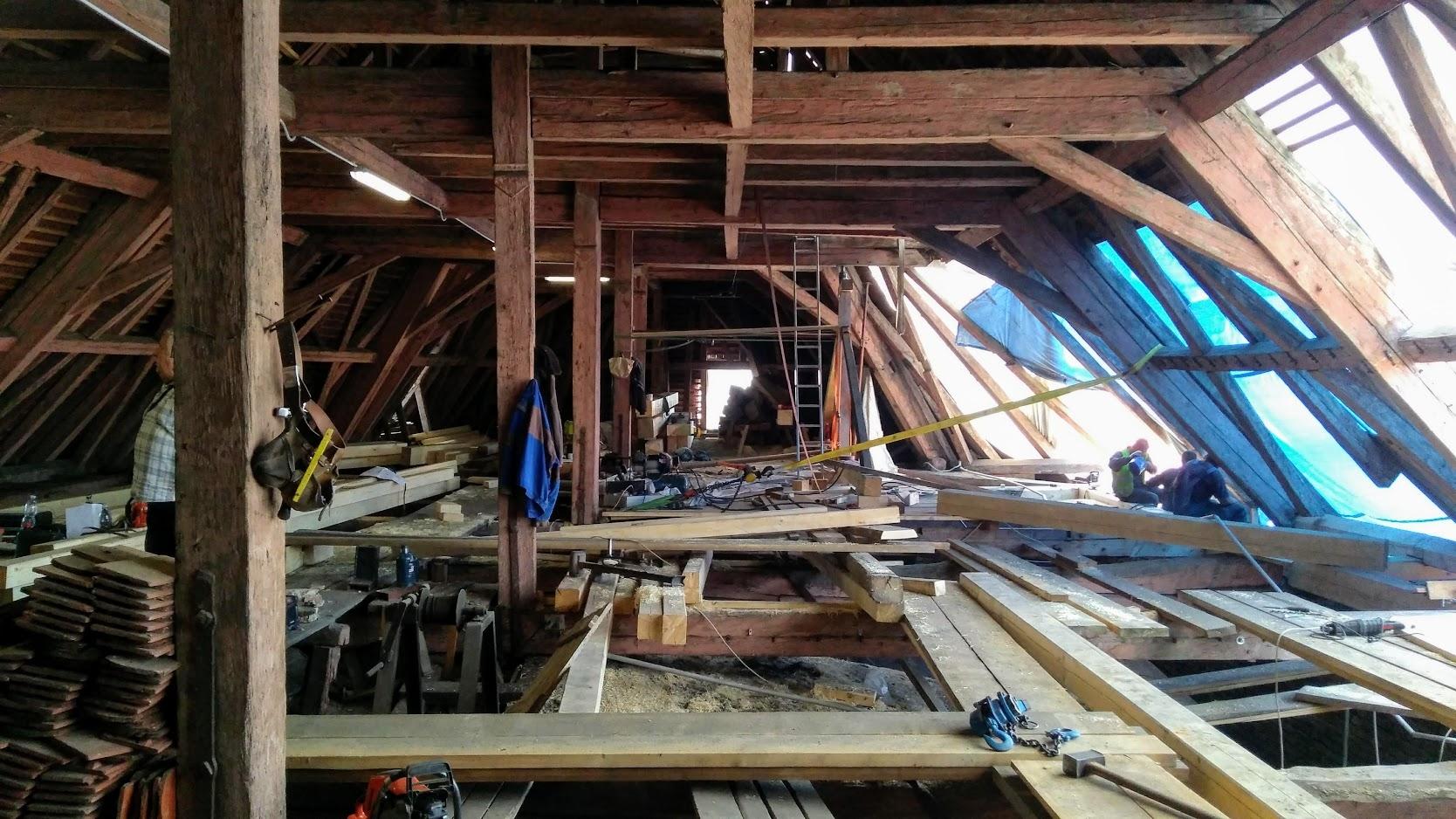 Rozsáhlá rekonstrukce střechy olomouckého muzea pokračuje zdroj foto: VMOL