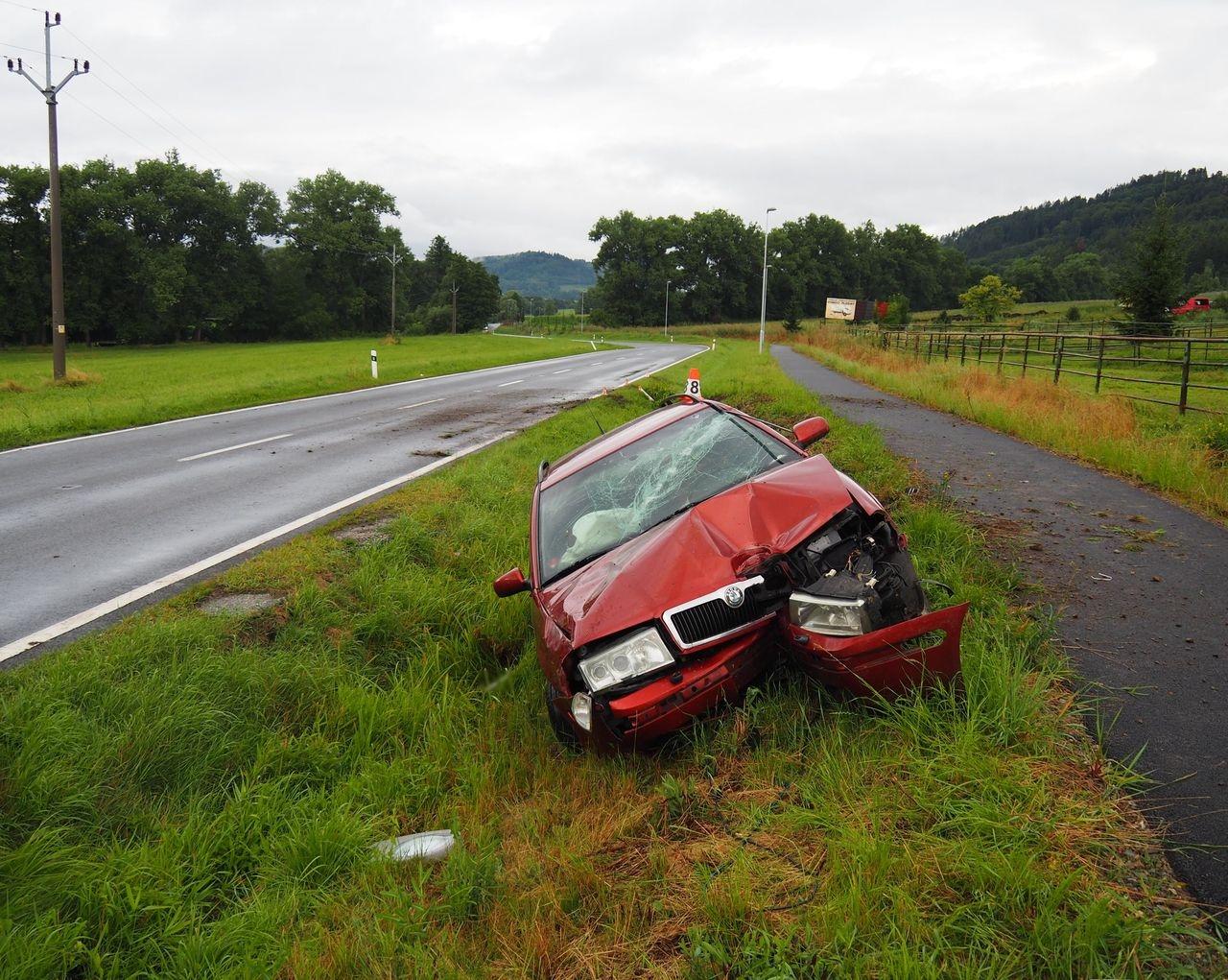 havárie vozidla mezi Bratrušovem a Šumperkem zdroj foto: PČR