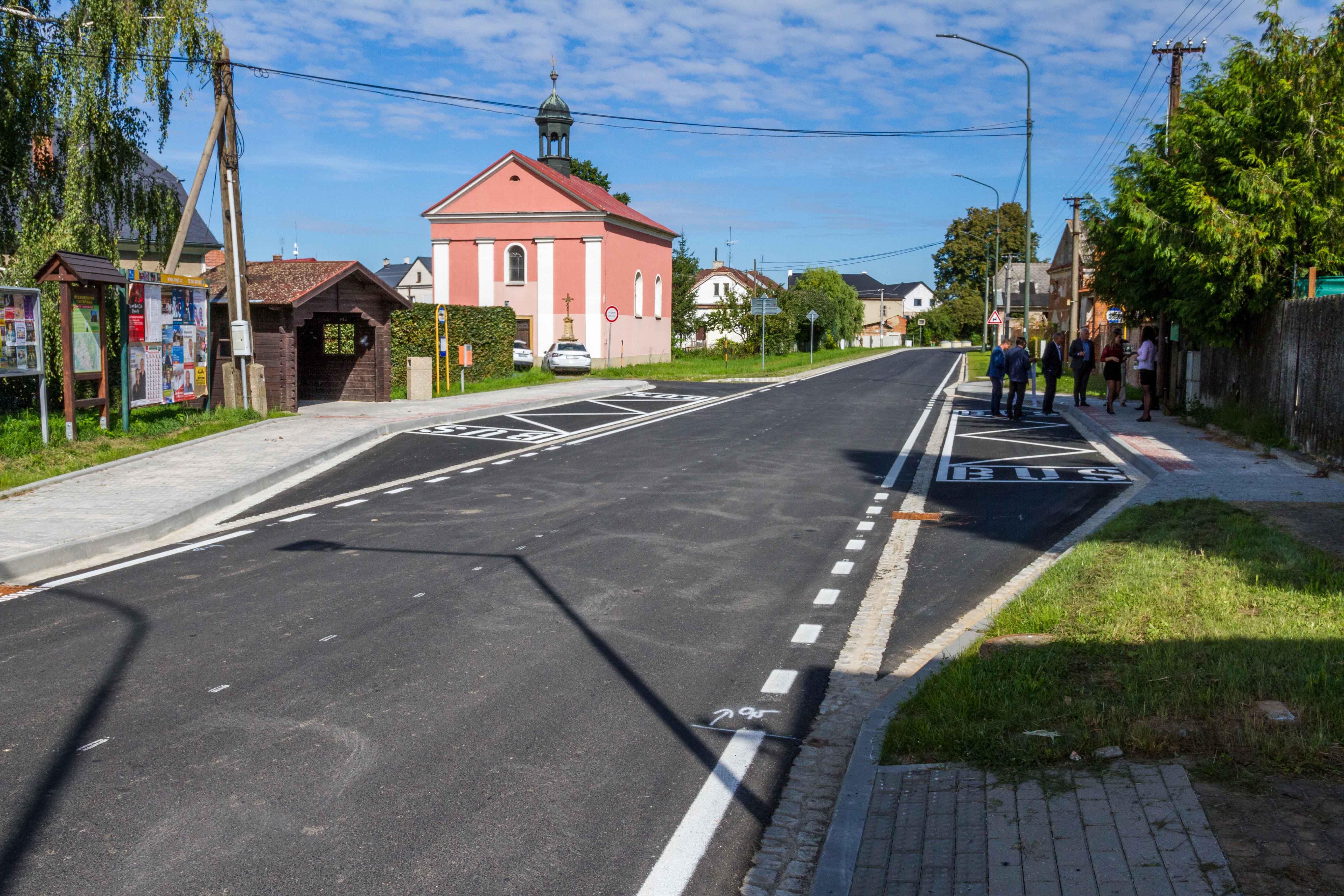 Kraj má další opravenou silnici zdroj foto: OLK
