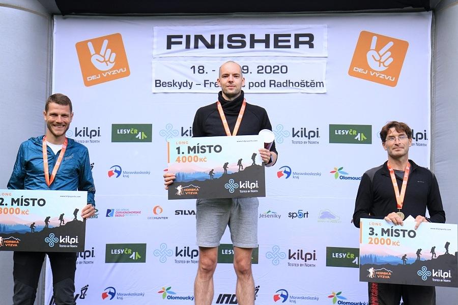 trojice nejrychlejších běžců královské trasy Long - Filip Rejskup, Bartosz Misiak, Matej Režný (zleva)