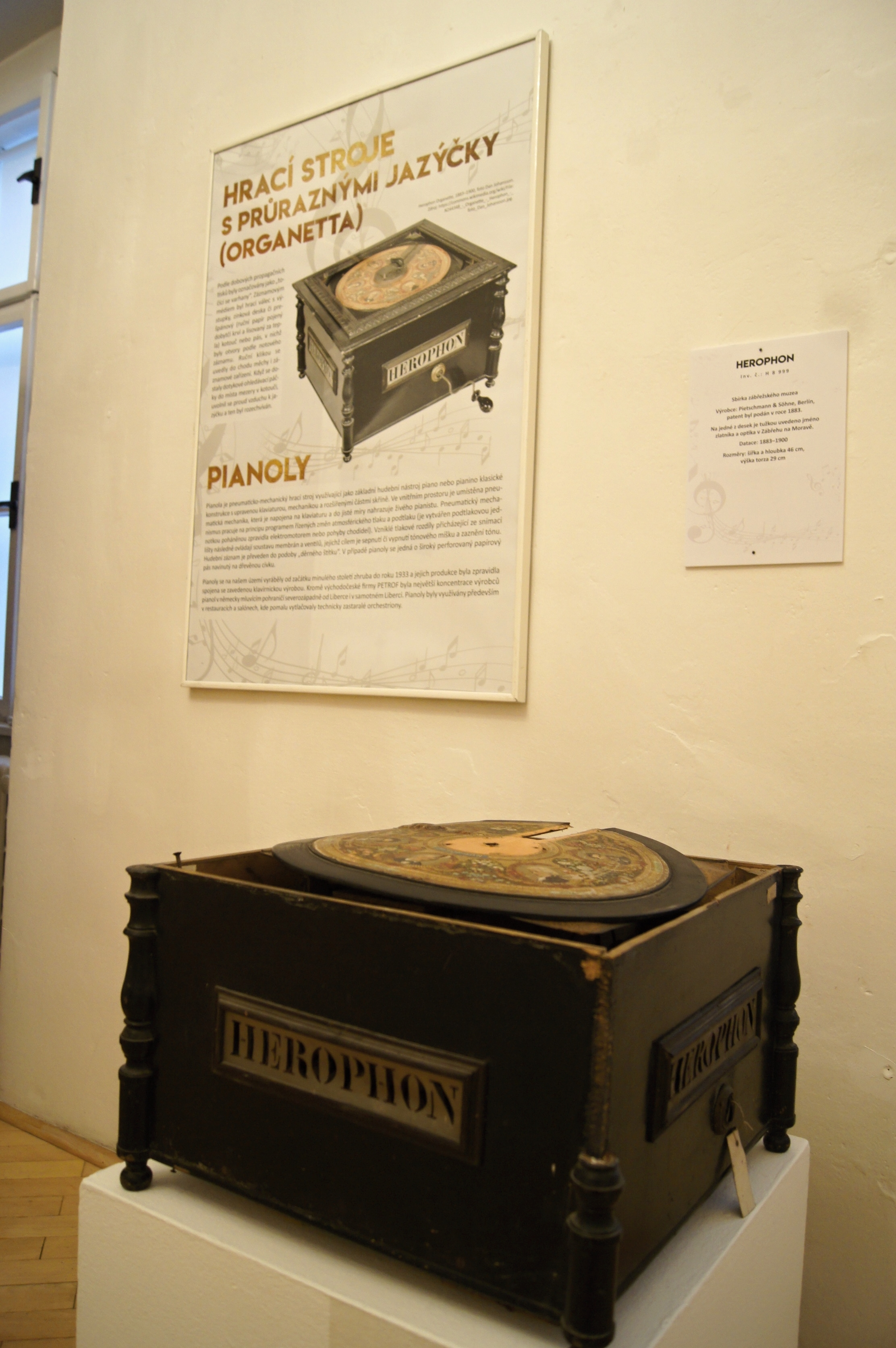Orchestrion a jiné hrací skříňky zdroj foto: VMŠ