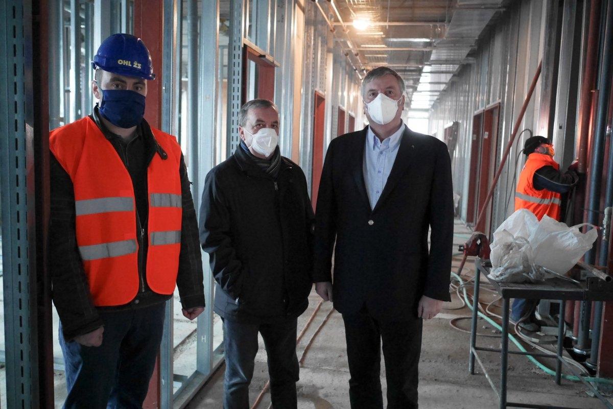 Stavba nové interny ve Šternberku zdárně pokračuje zdroj foto: OLK