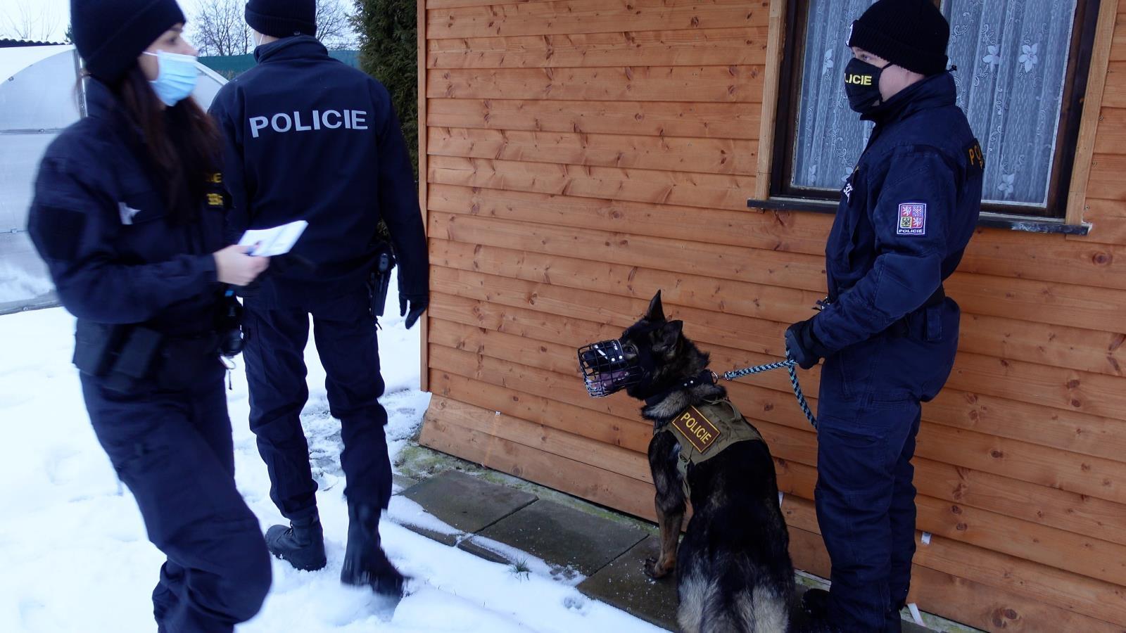 Policisté v kraji kontrolují chatové oblasti zdroj foto: PČR