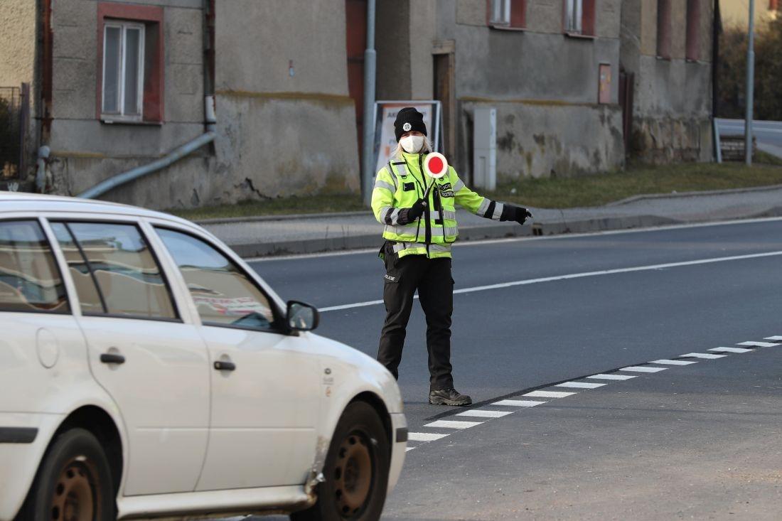 kontrola policie - první týden opatření zdroj foto: sumpersko.net - M. Jeřábek