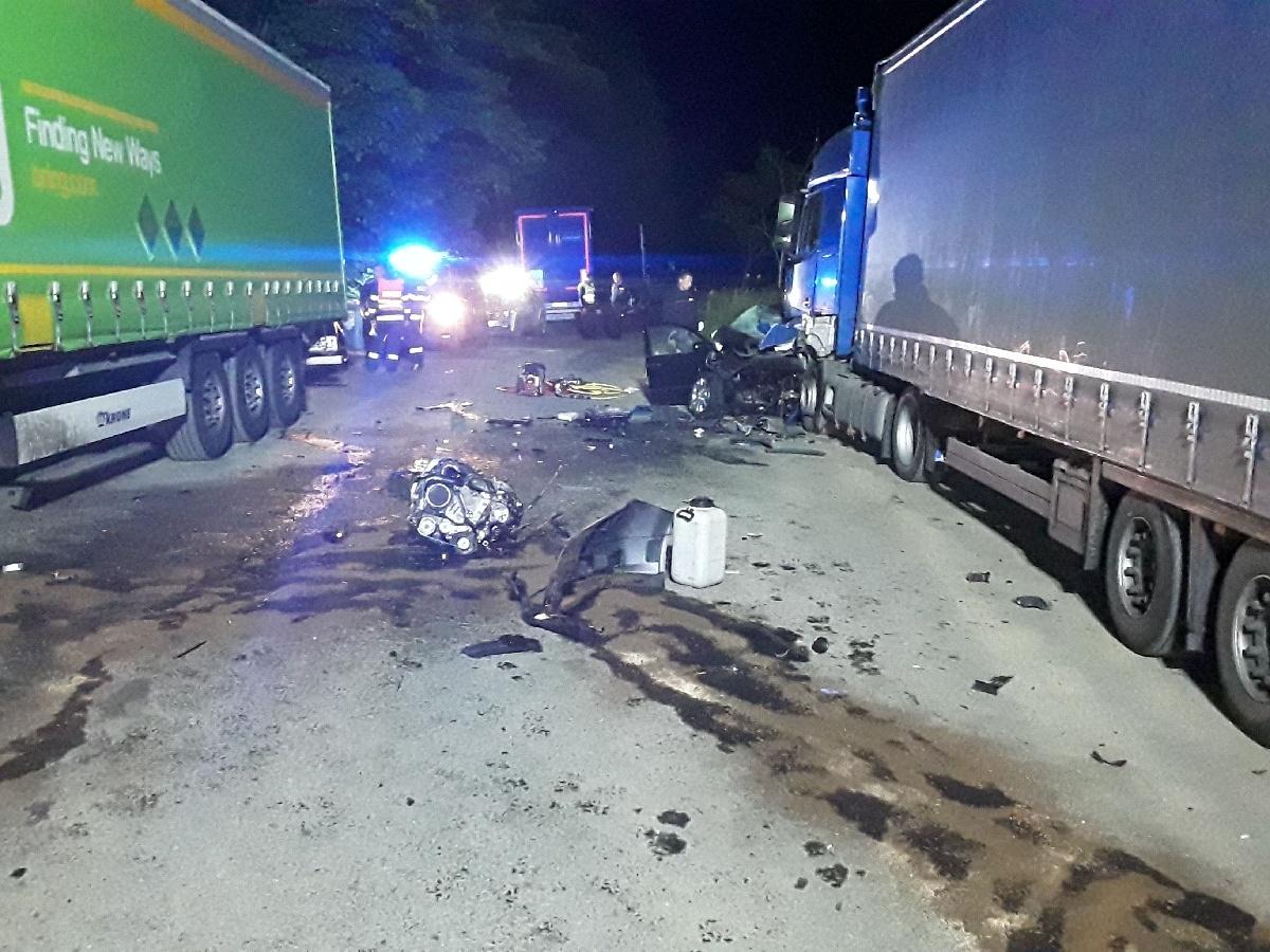 zásah hasičů mezi Lipinou a Šternberkem zdroj foto: HZS OLK